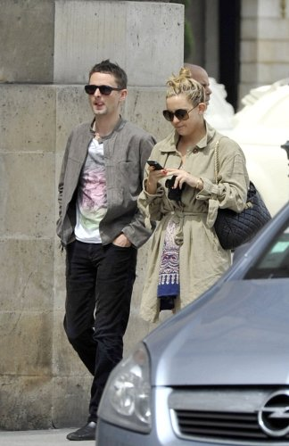 is kate hudson pregnant 2011. Kate met the Muse rocker, 32,